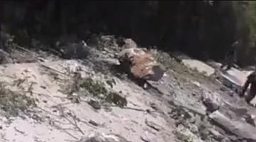 广西德保一行驶车辆被滚落巨石砸中 3人不幸遇难