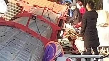 河南邓州一作业吊车倾覆 官方:事故已致1死2伤